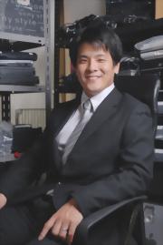 株式会社 HAKU 代表取締役社長 手塚 久雄