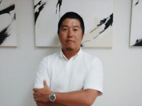 株式会社KOZUCHI 代表取締役社長 岩井 竜太